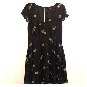 Short Black dress with flowers